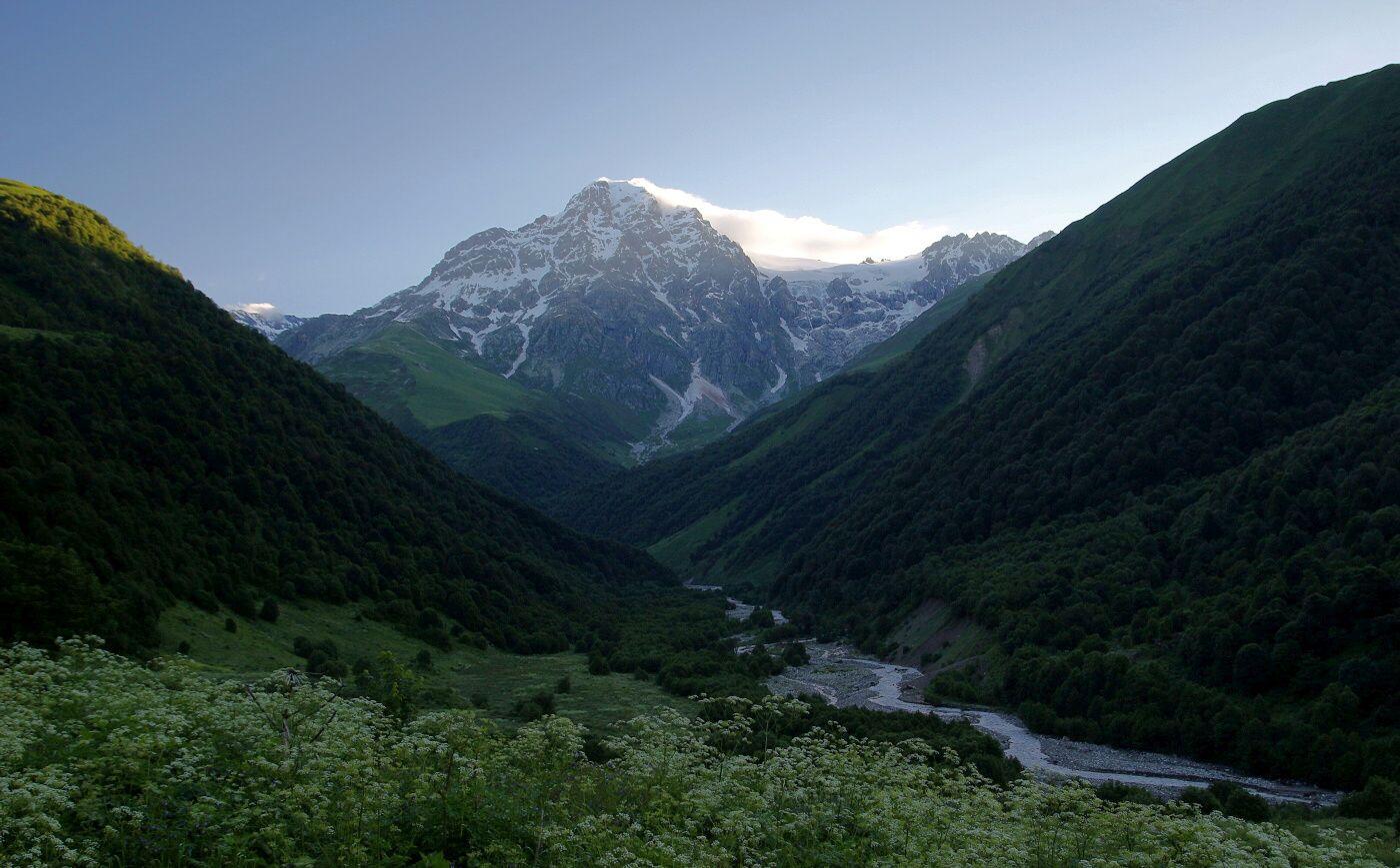 Dolina_rzeki_Tskhenistskali