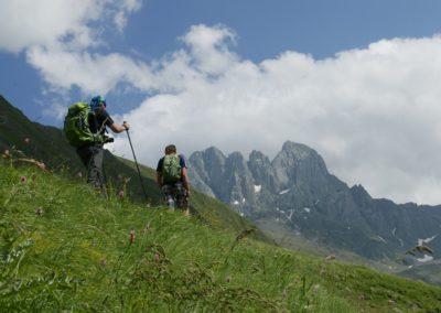 Trekking w okolicach Kazbegi