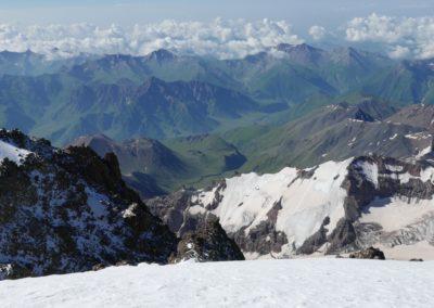 Widok ze szczytu Kazbeku.