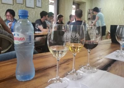 Degustacja win w Kindzmarauli Marani