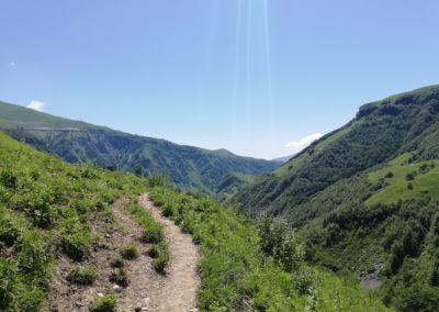 W kierunku wodospadu Ereto